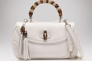 168c0972ff0f Как почистить белую сумку из кожзама? - Домашние хитрости