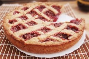 читать рецепт пирога с малиновым вареньем