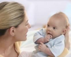 С какого возраста новорожденные начинают слышать и видеть новорожденные